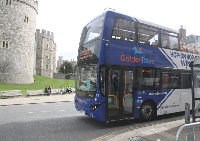 Windsor Castle and Bus Tour
