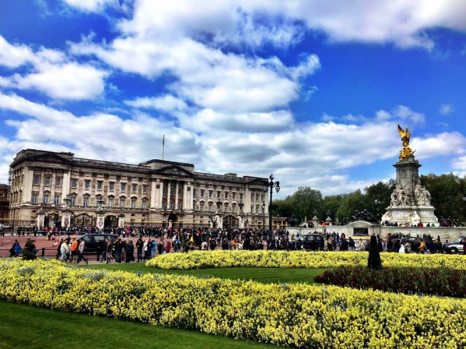 Sunny Buckingham Palace