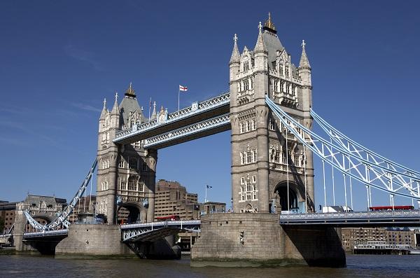 http://www.dreamstime.com/royalty-free-stock-photo-london-tower-bridge-image900005