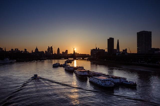 River Thames sunrise