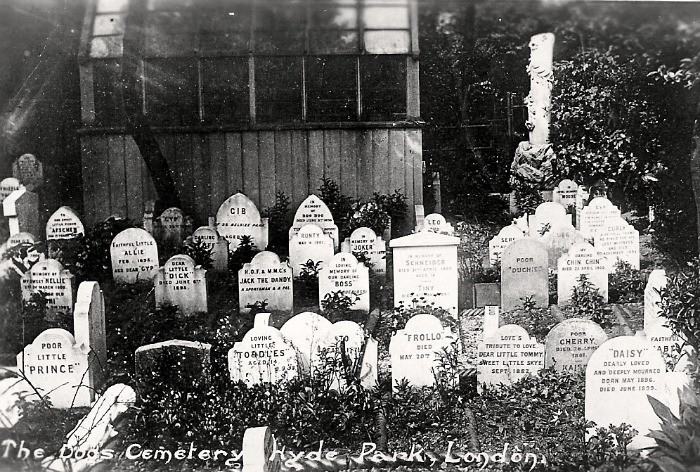 Pet Cementery at Hyde Park