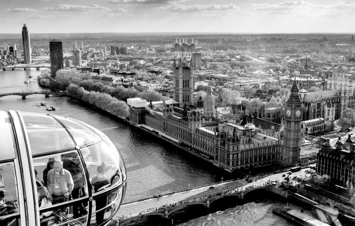 Westminster and London Eye are within walking distance