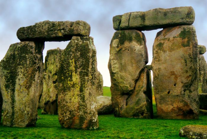 It's easy to take a day trip to Stonehenge