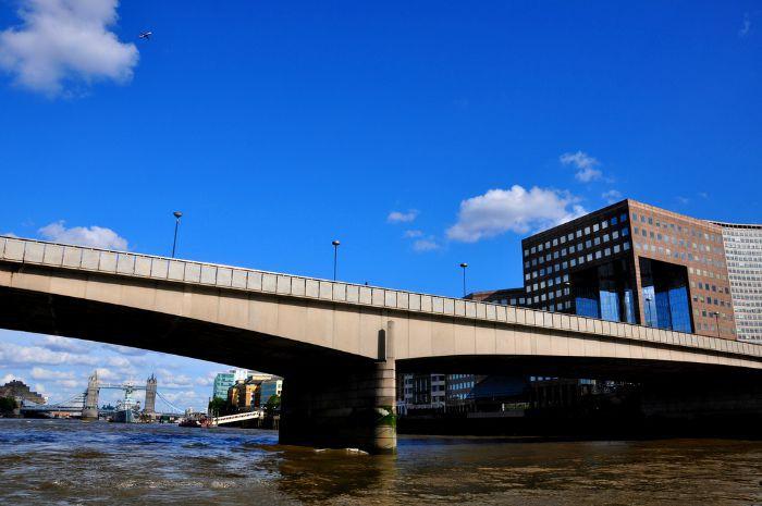 Don't confuse London Bridge for Tower Bridge