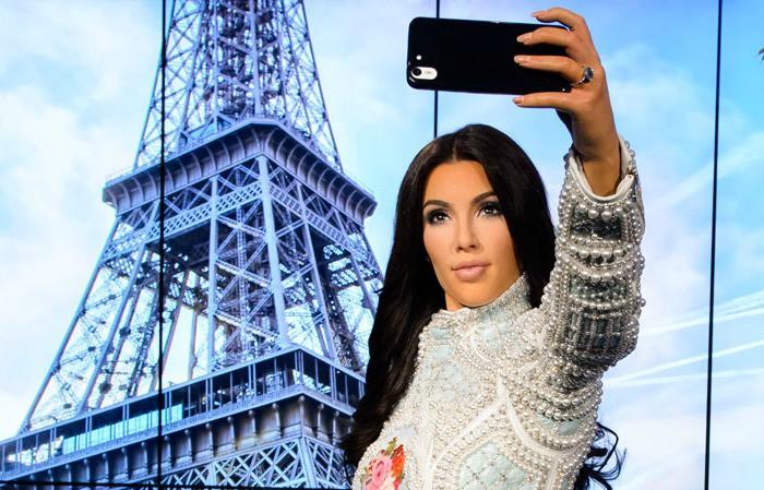 Kim Kardashian and Kanye West at Madame Tussauds