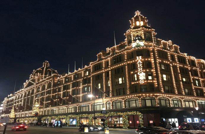 As one of the most famous department stores in the world, Harrods just had  to feature on our Christmas lights list. Illuminated in thousands of  speckles of ... - The 10 Best Christmas Lights In London