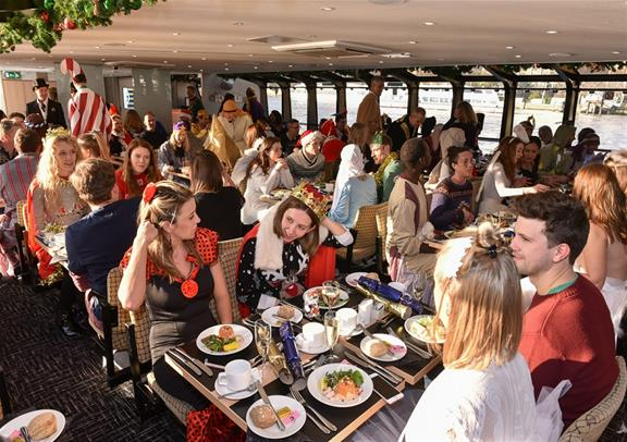christmas-lunch-cruise